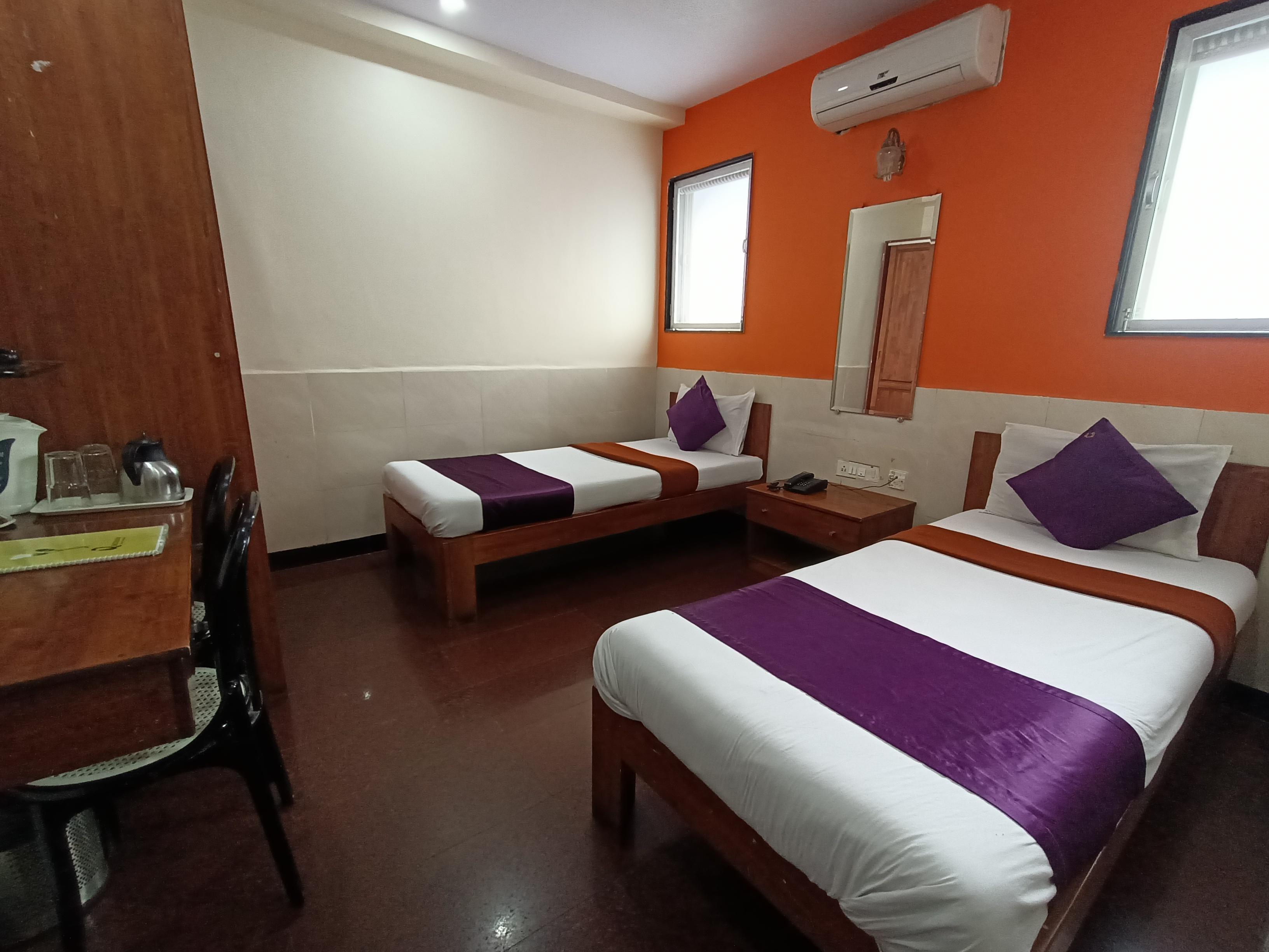 Hotel-Q-Deck-Mumbai-Ville-Parle-Airport
