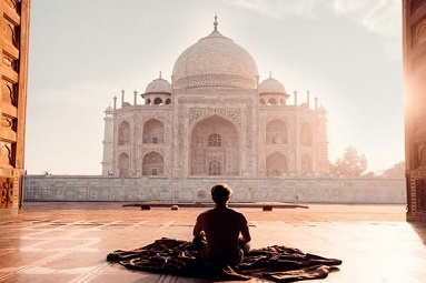 https://thebudgetstay.com/blogimages//Welcome-to-incredible-india-site-tips-on-security-safety-bargaining-emergency-contact-number-tourism-office.jpeg